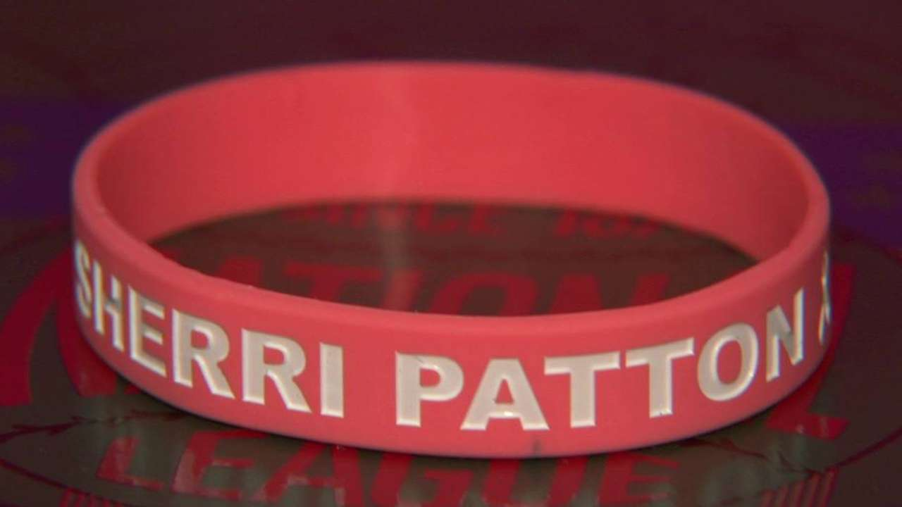 Pink-laden Dodgers honor Sherri Patton