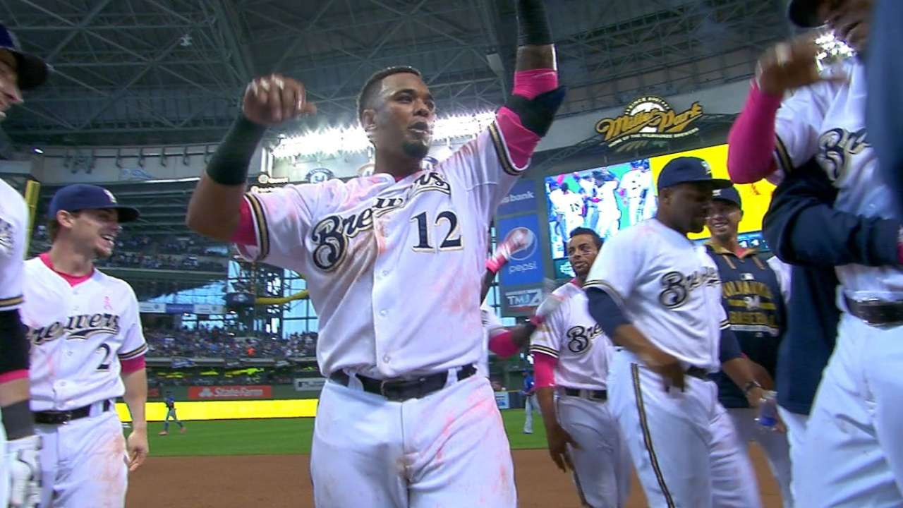 Maldonado delivers Mother's Day walk-off for Crew
