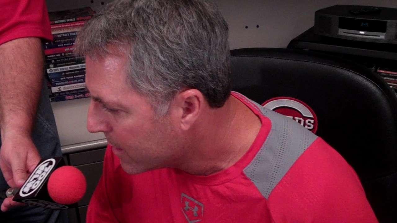 Reds DFA struggling Gregg, recall Villarreal