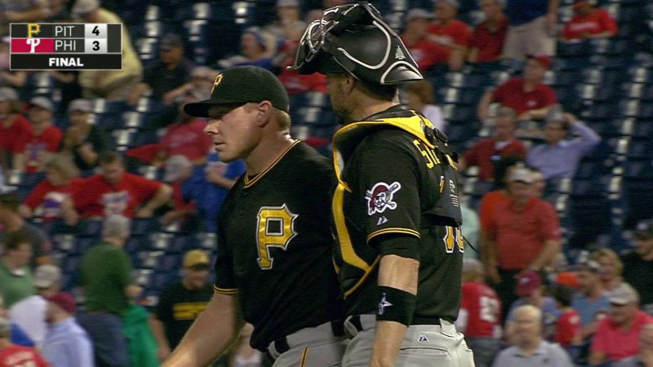 Marte's homer propels Bucs over Phils