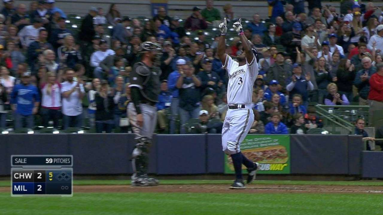 The homers just keep coming for Herrera