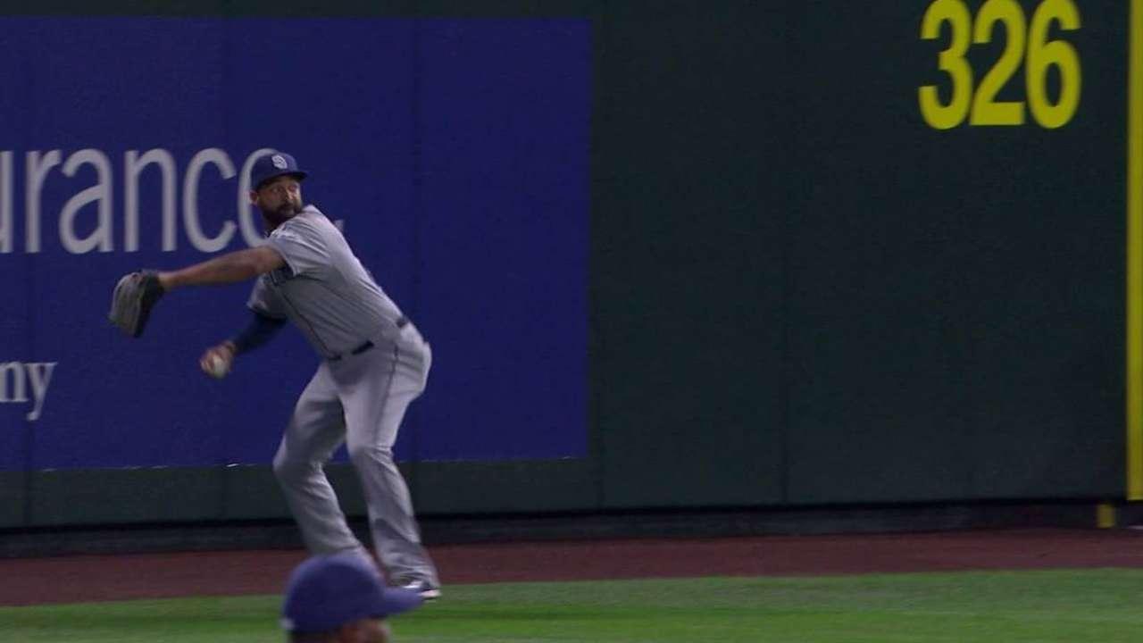 Kemp nabs Smith