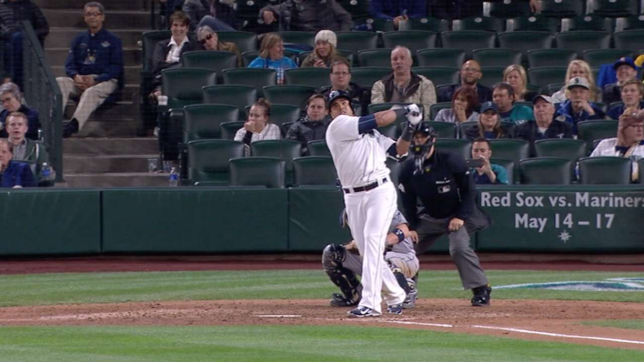 Mariners hit six homers in win