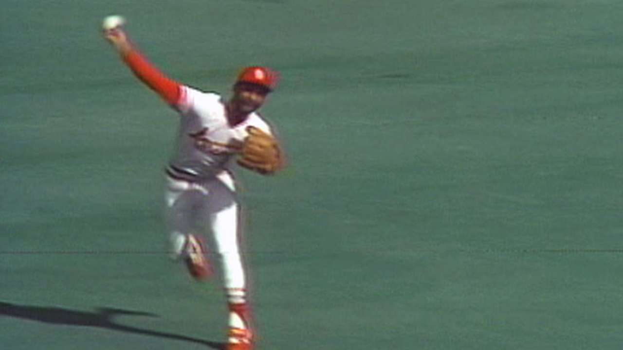 Ozzie's spectacular diving stop