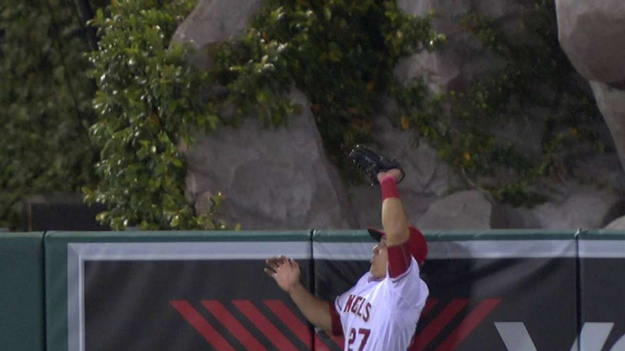 Trout's jumping grab at the wall