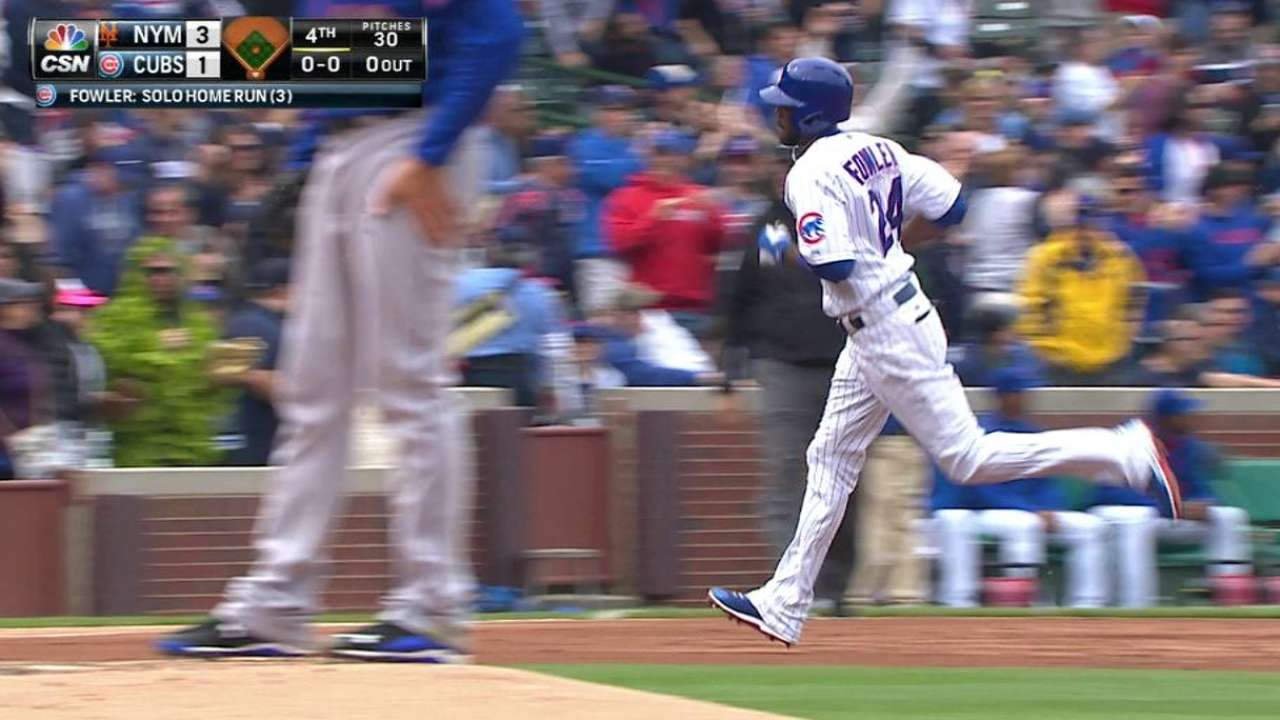 Fowler helps keep Cubs' clubhouse rockin'