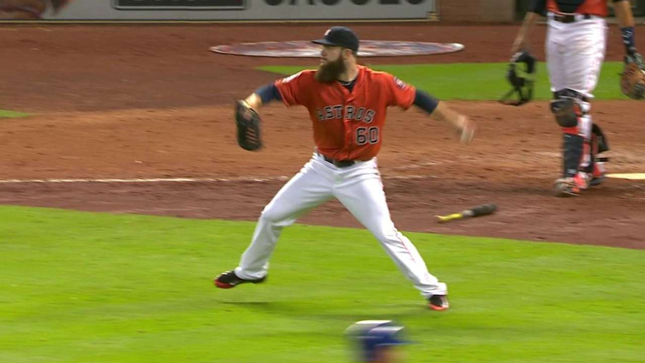 Keuchel's hustle play