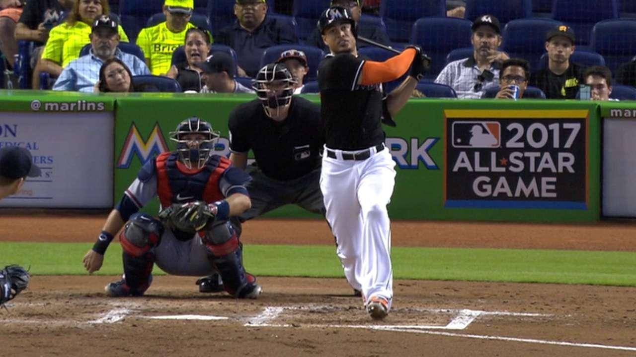 Stanton hits 478-foot HR; fan barehands it