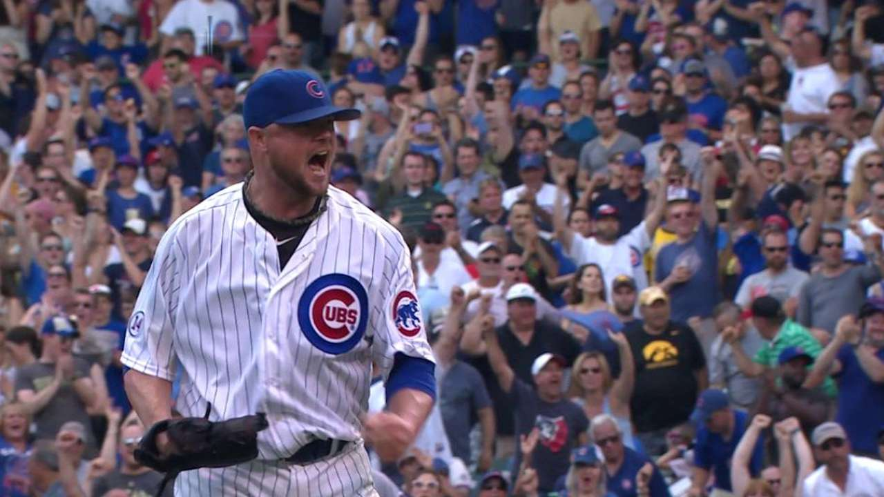 Lester outduels Cole as Cubs win sixth straight