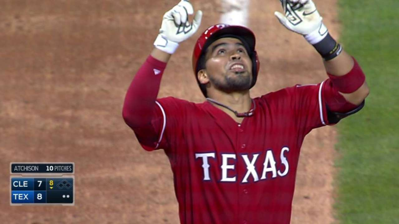 Chirinos finds swing with clutch homer