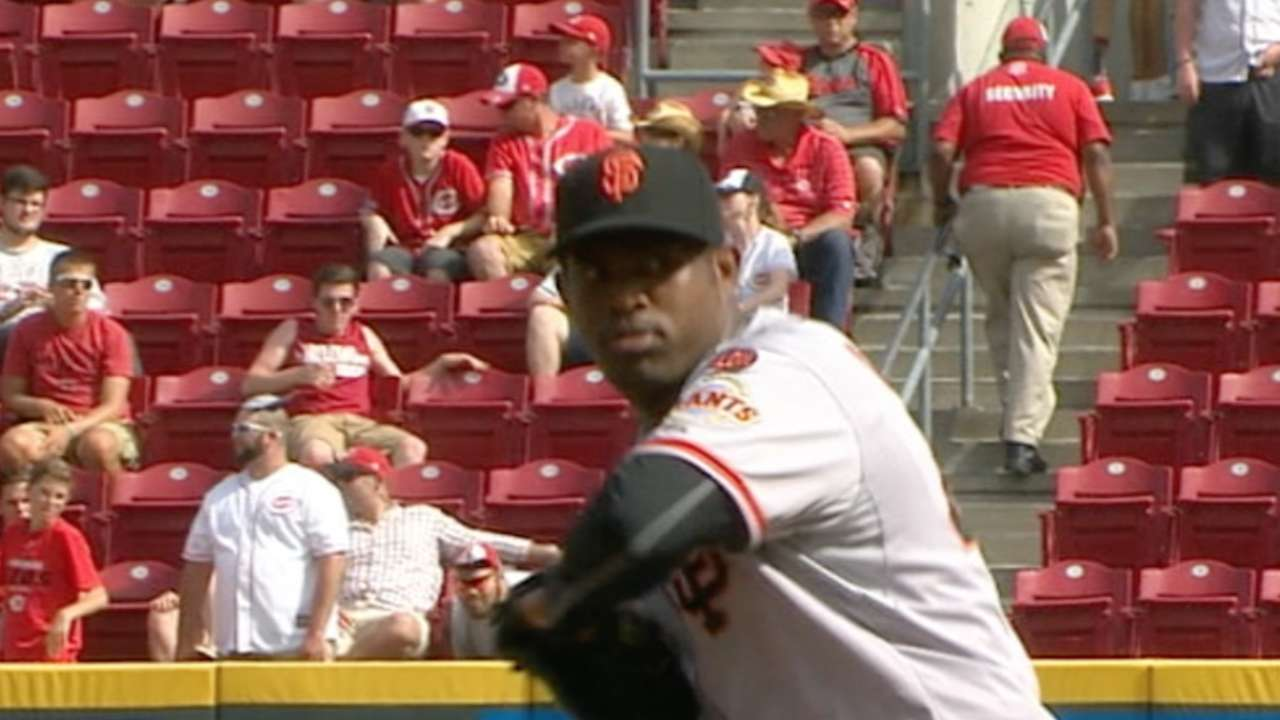 Casilla posts ninth save with immaculate inning