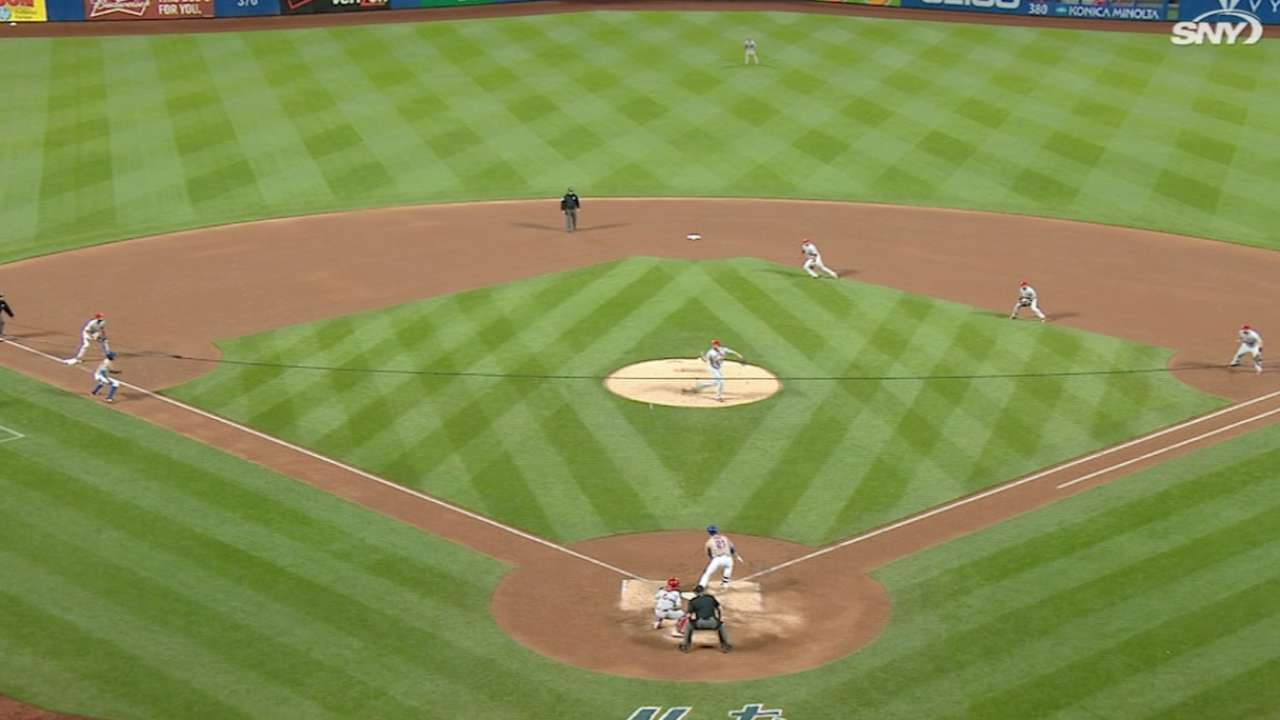 Duda breaks through Cardinals' defensive shift