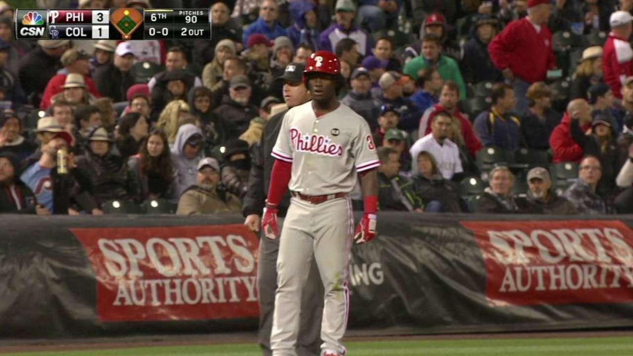 Big sixth lifts Hamels, Phillies over Rockies