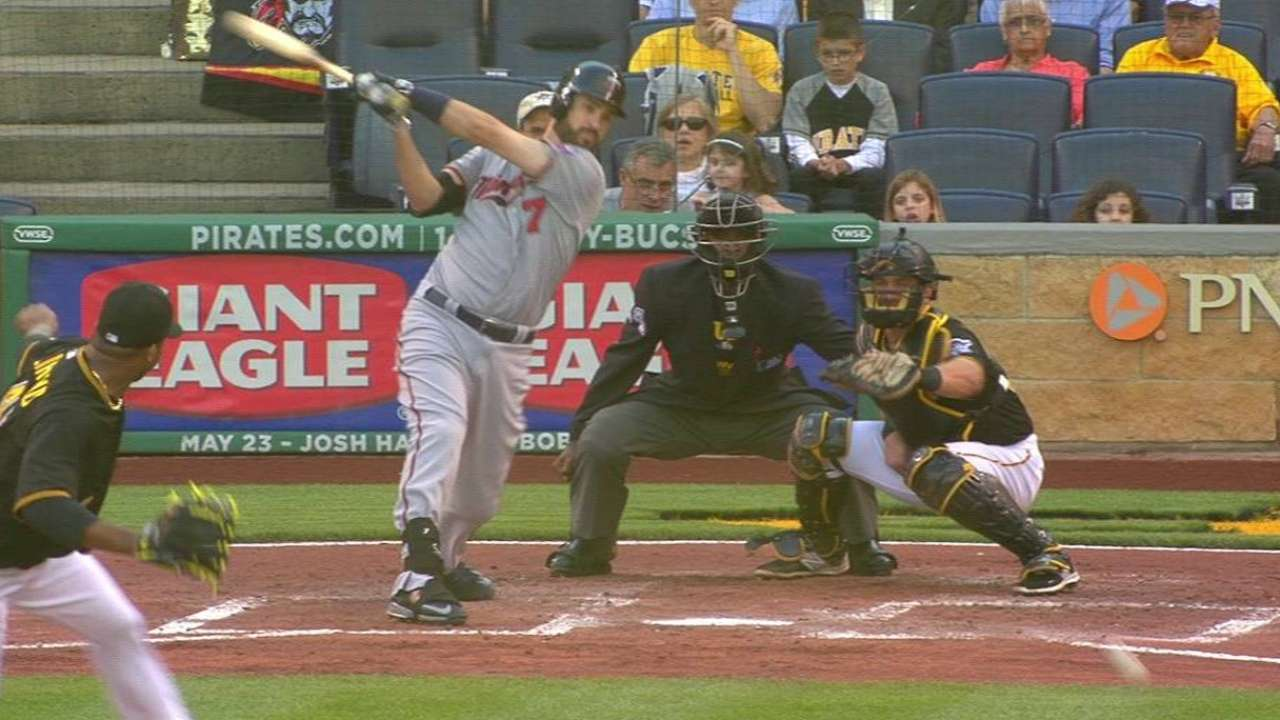 Twins' offense strikes early against Liriano