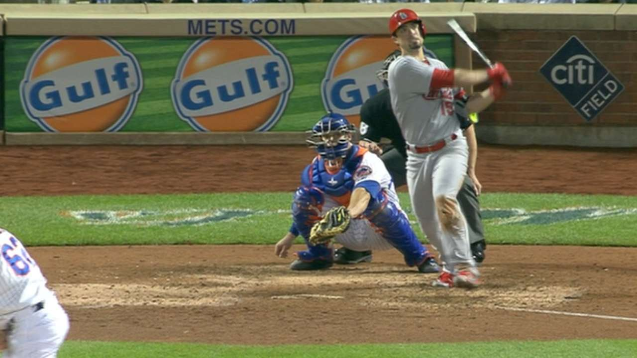 Cards go on the offensive in rout of Mets