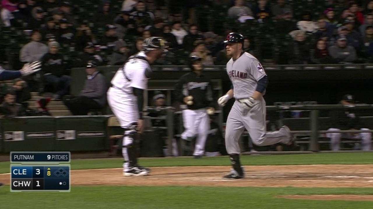 Con joya de Bauer Indios frenan racha de White Sox