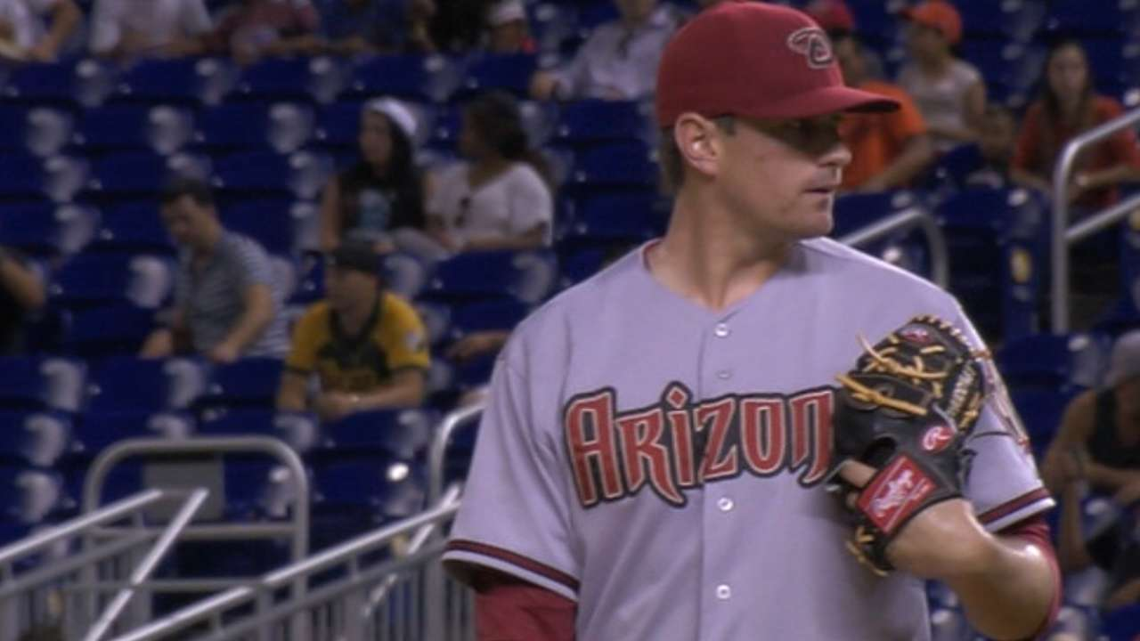 Reliever Hudson earns first win since 2012