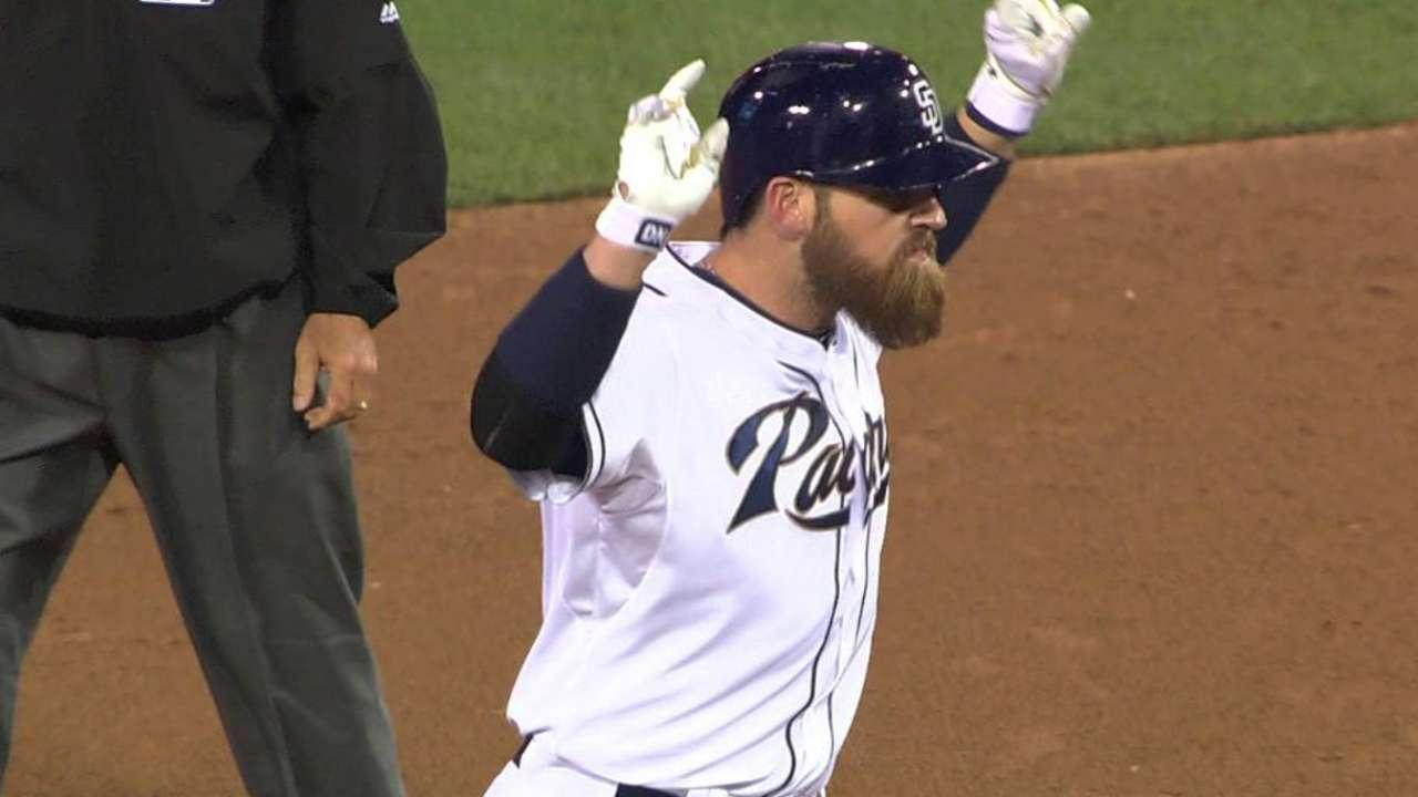 Shields domina a Cubs y saca del bache a Padres