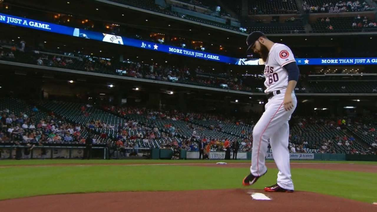 Keuchel stays perfect as Astros overpower A's
