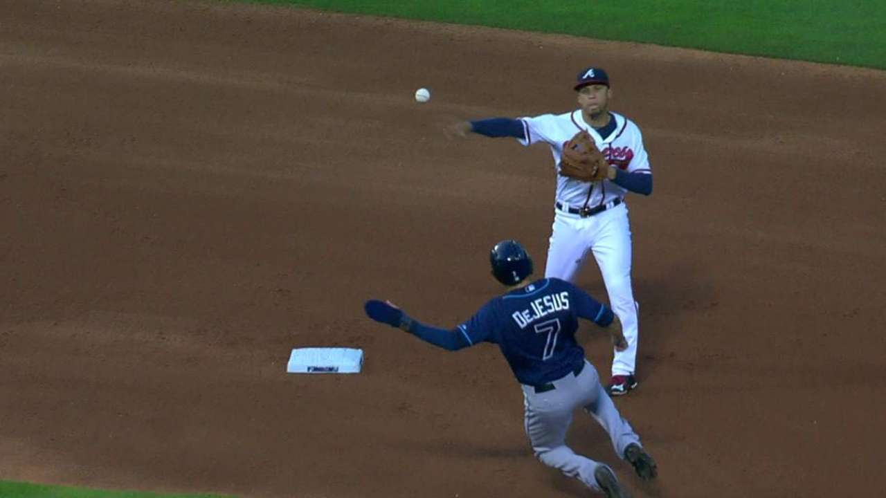 Perez escapes jam on double play