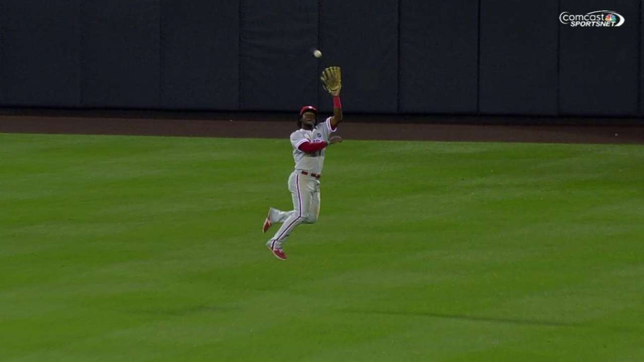 Herrera's leaping grab starts DP