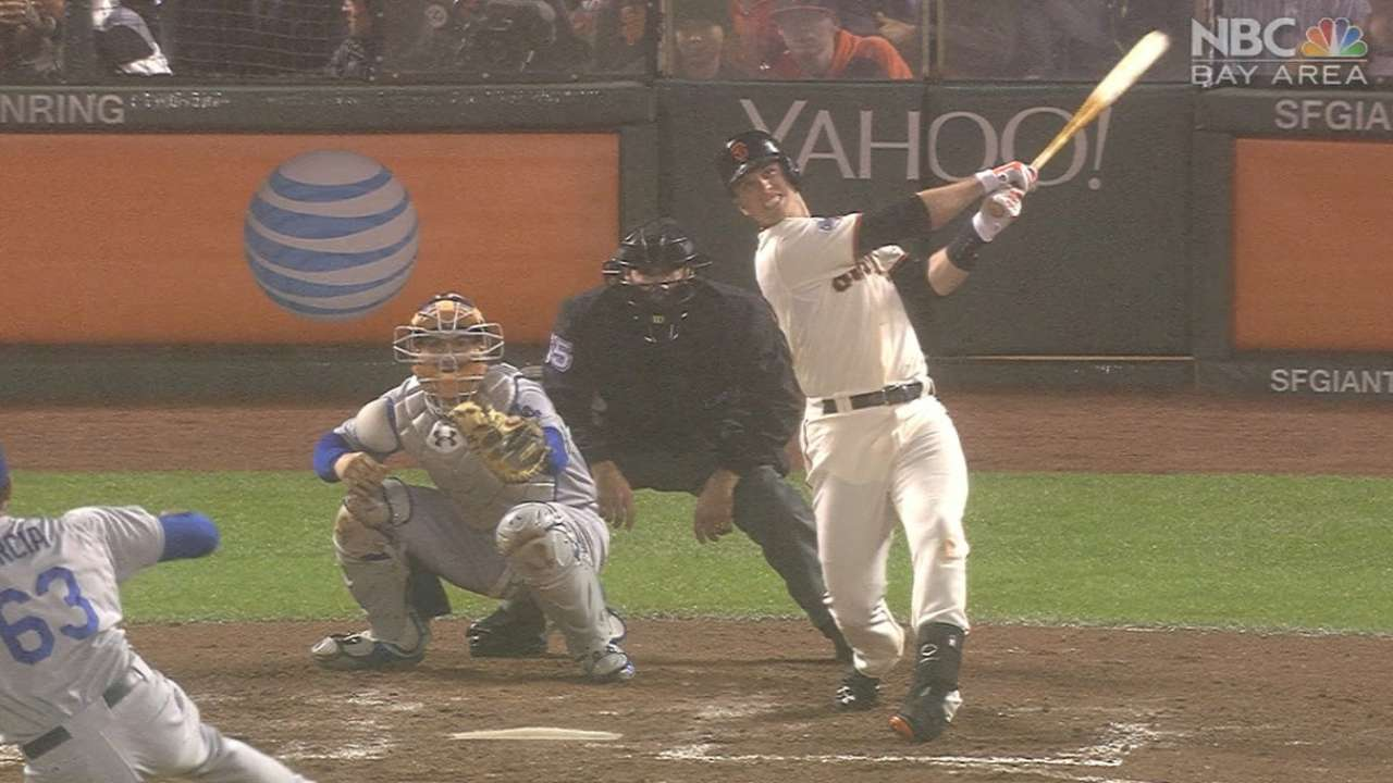 Posey, Freak push Giants' win streak to 5