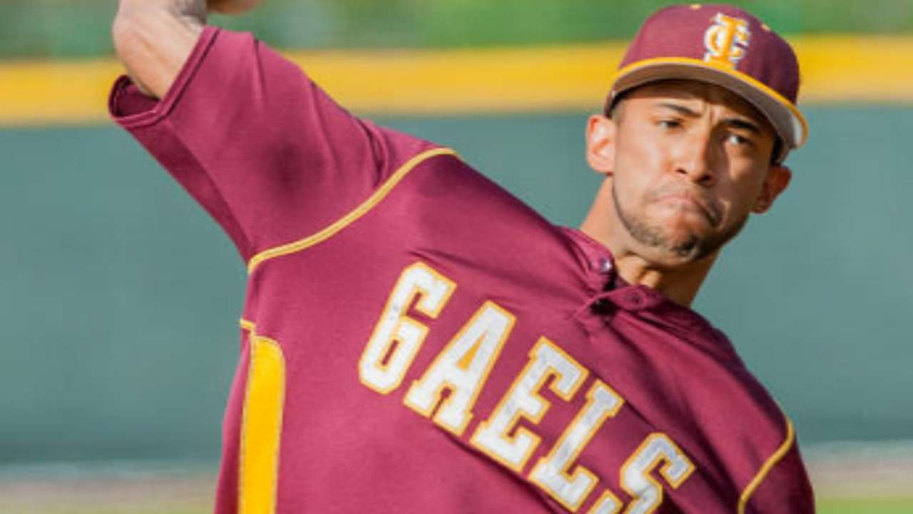 Mo's son honored as MAAC's top pitcher