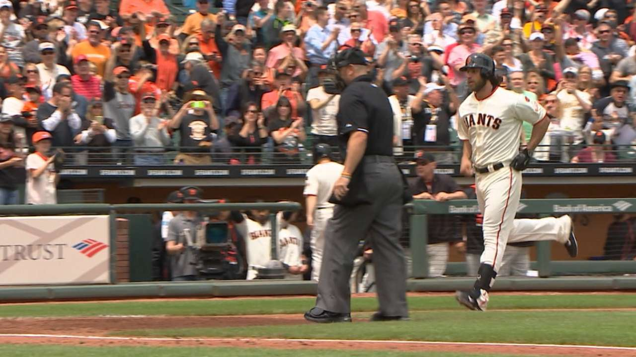 Must C: Bumgarner goes yard