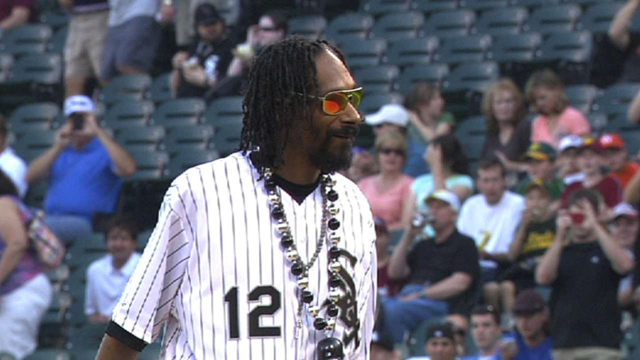 Snoop Dogg's first pitch