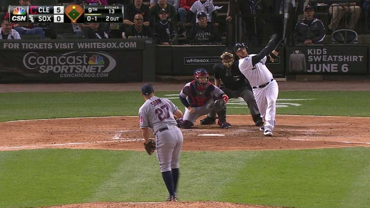 Danks dinged early as Sox drop third straight