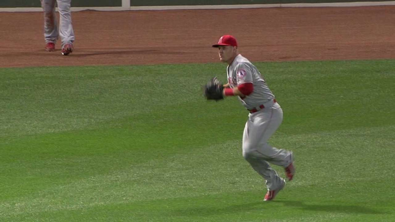 Statcast: Trout shows off all his tools