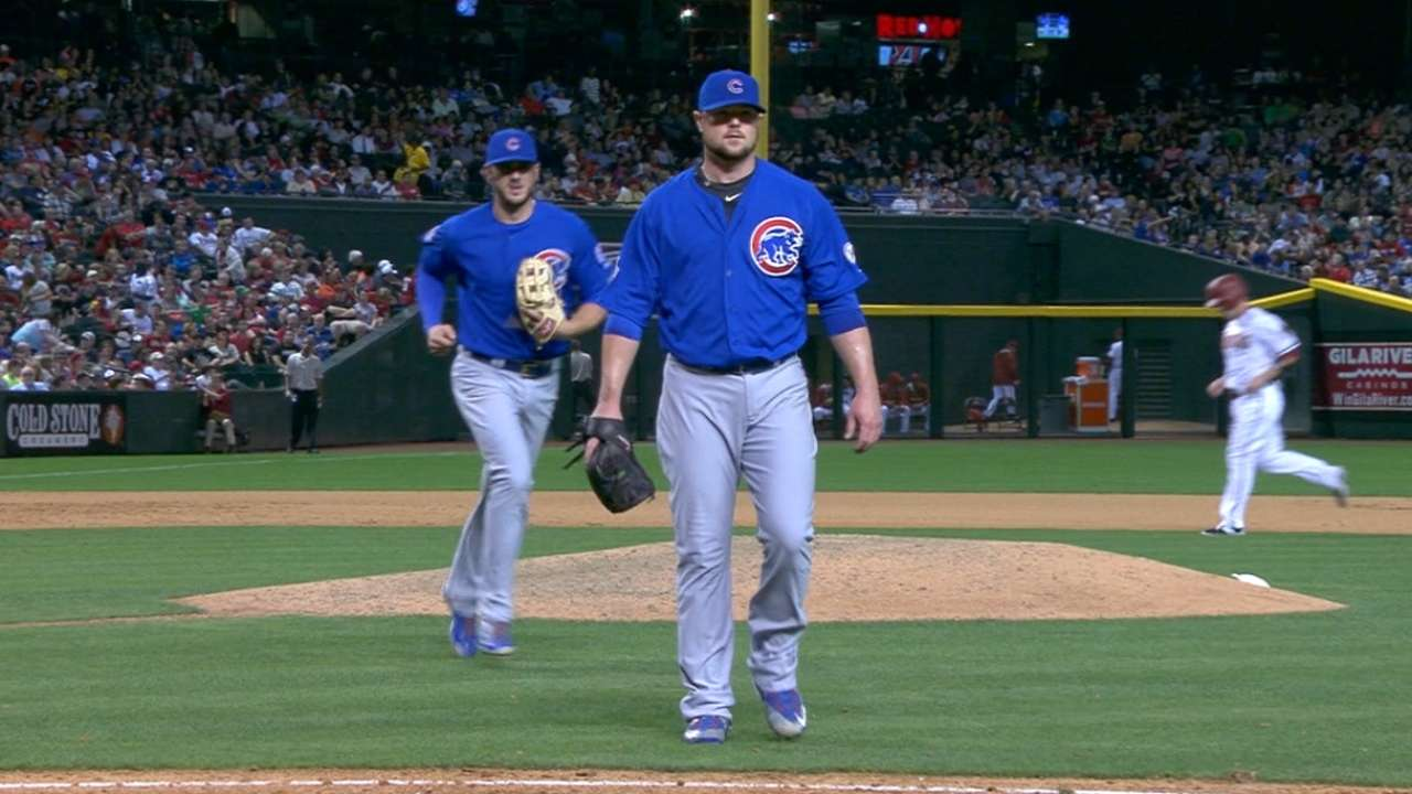 Lester's futility at plate ties record for pitcher