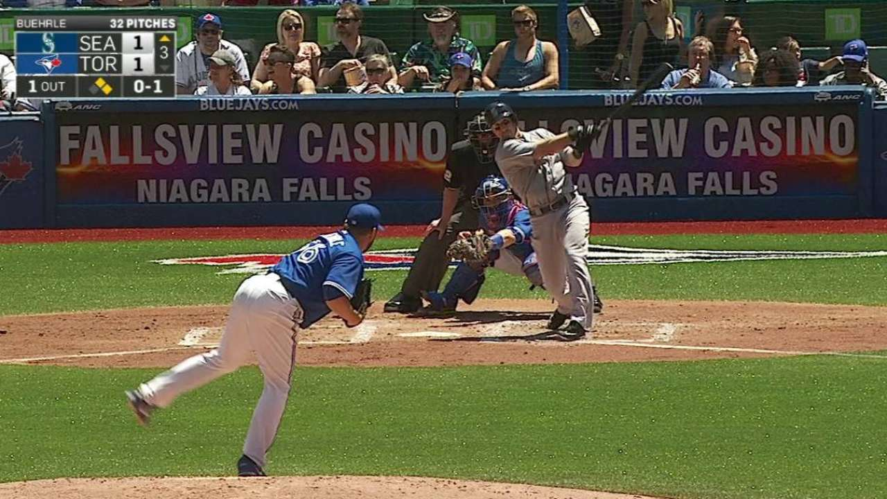 Bloomquist delivers with bat, glove in Seattle win