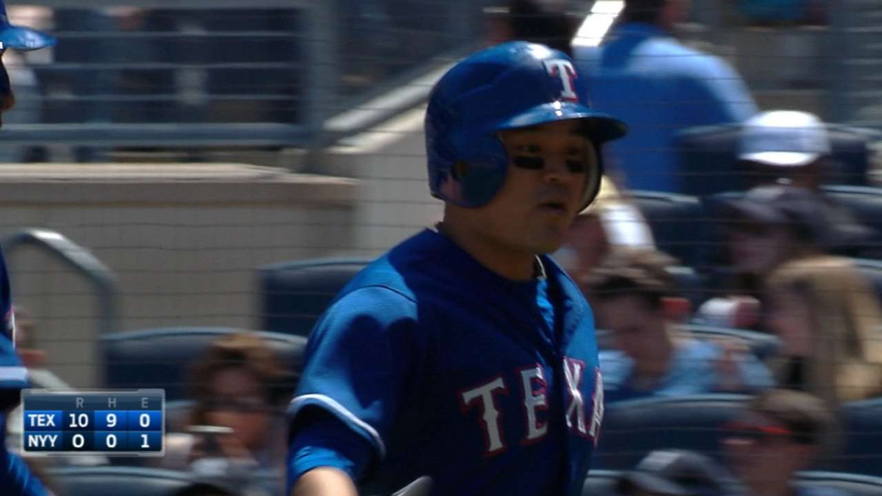 Choo's bat fuels 10-run inning