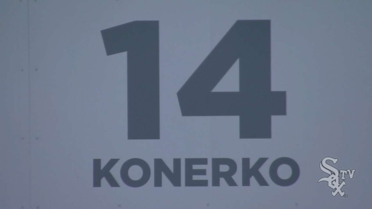 White Sox retire Konerko's #14