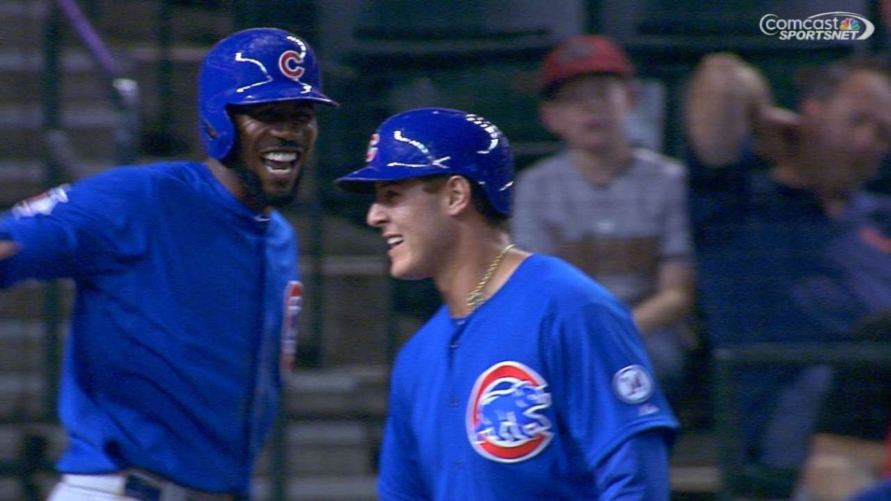 Rizzo drives in six as Cubs snap D-backs' streak