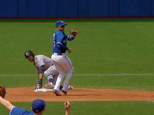 SEA@TOR: Blue Jays turn inning-ending double play
