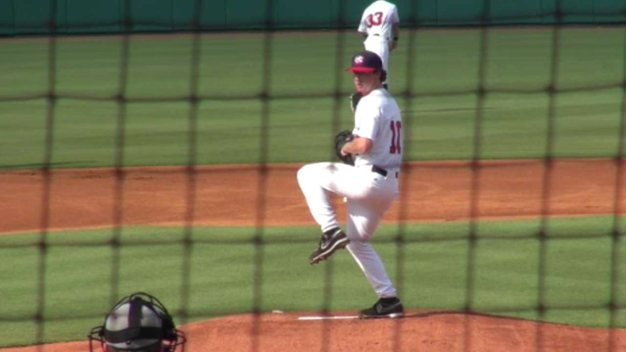 Seattle nets right-hander Moore at No. 72
