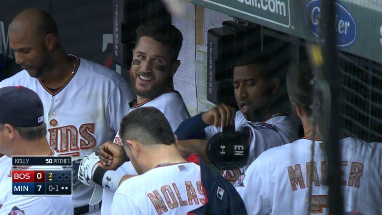 Twins' six-run inning