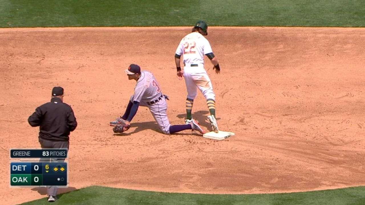 Bats break out to back Hahn's first shutout