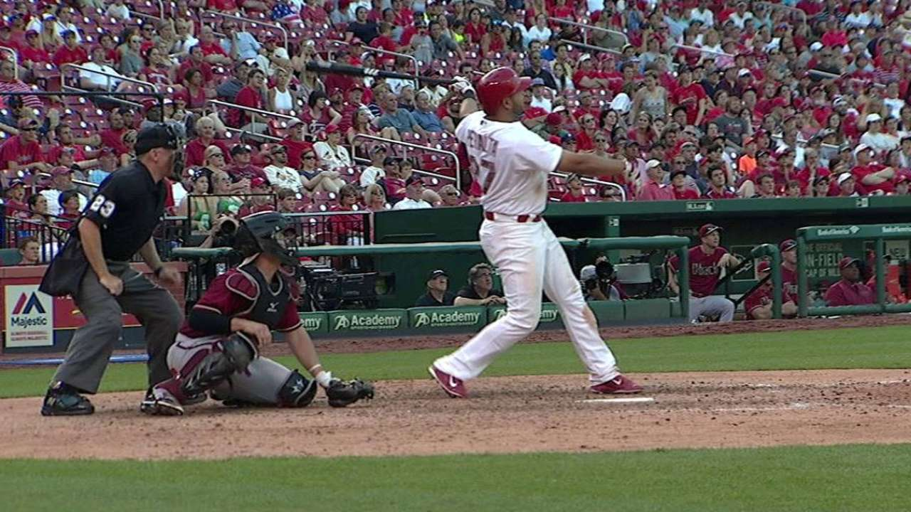 Peralta's walk-off HR lifts Cards past D-backs