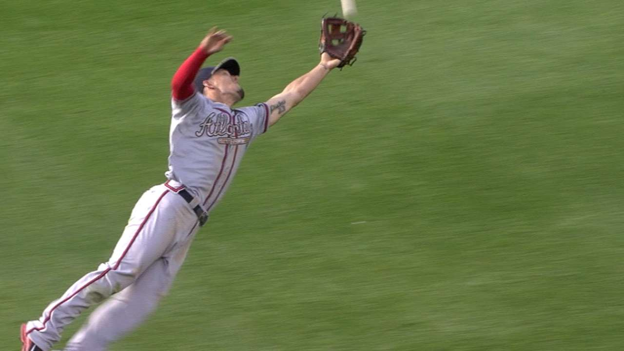 Peterson robs Gonzalez with great catch