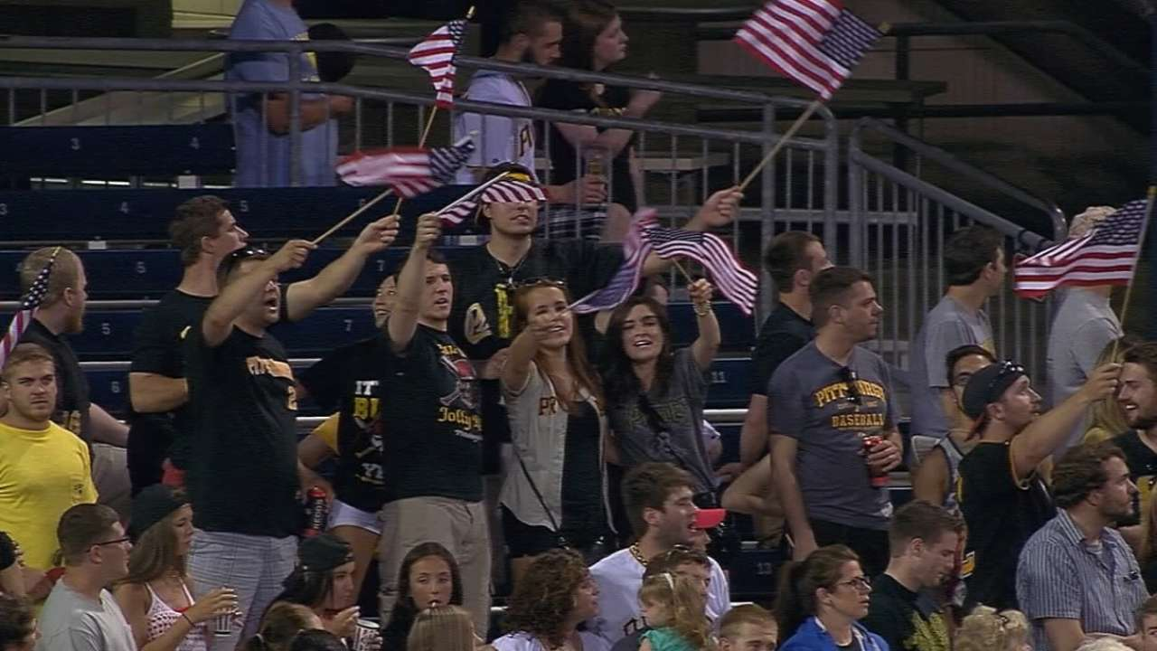 Baseball pays tribute on Memorial Day