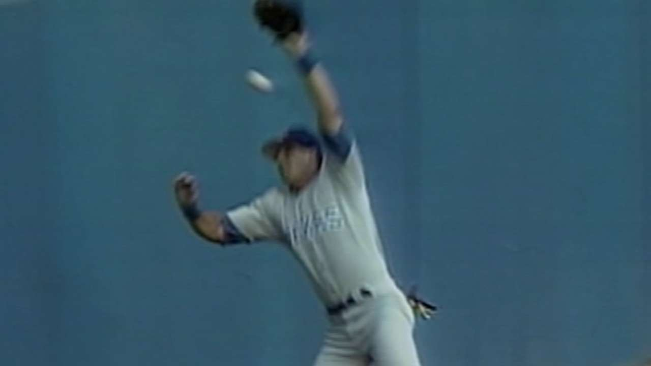 Canseco's blunder leads to homer
