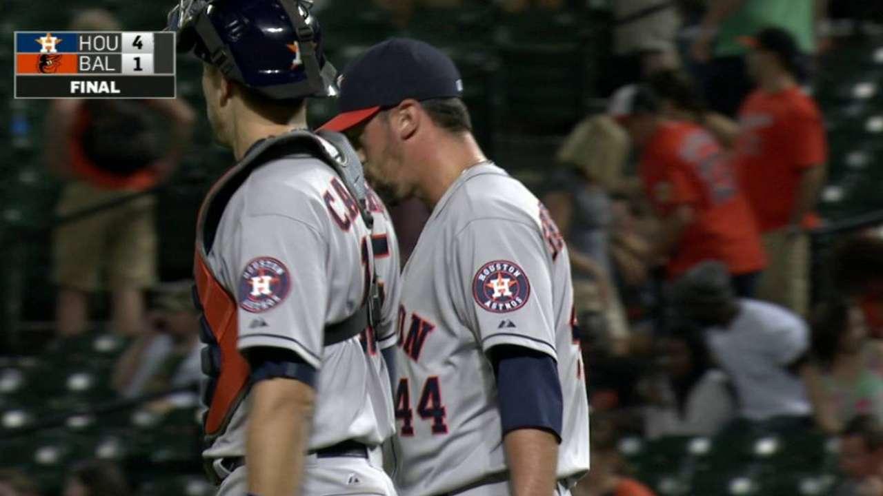 'Pen putting signature on Astros' campaign