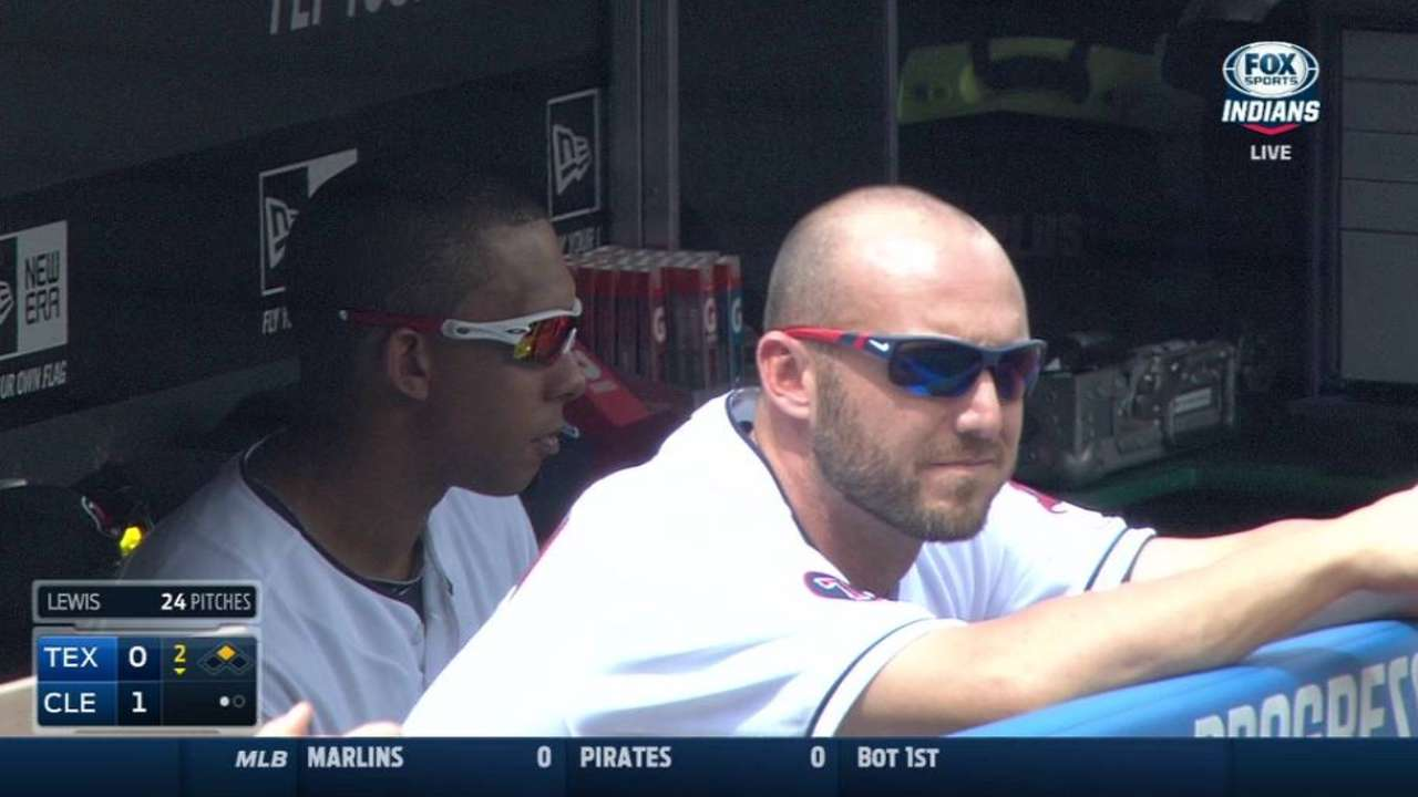 Players shave heads to support Aviles' daughter