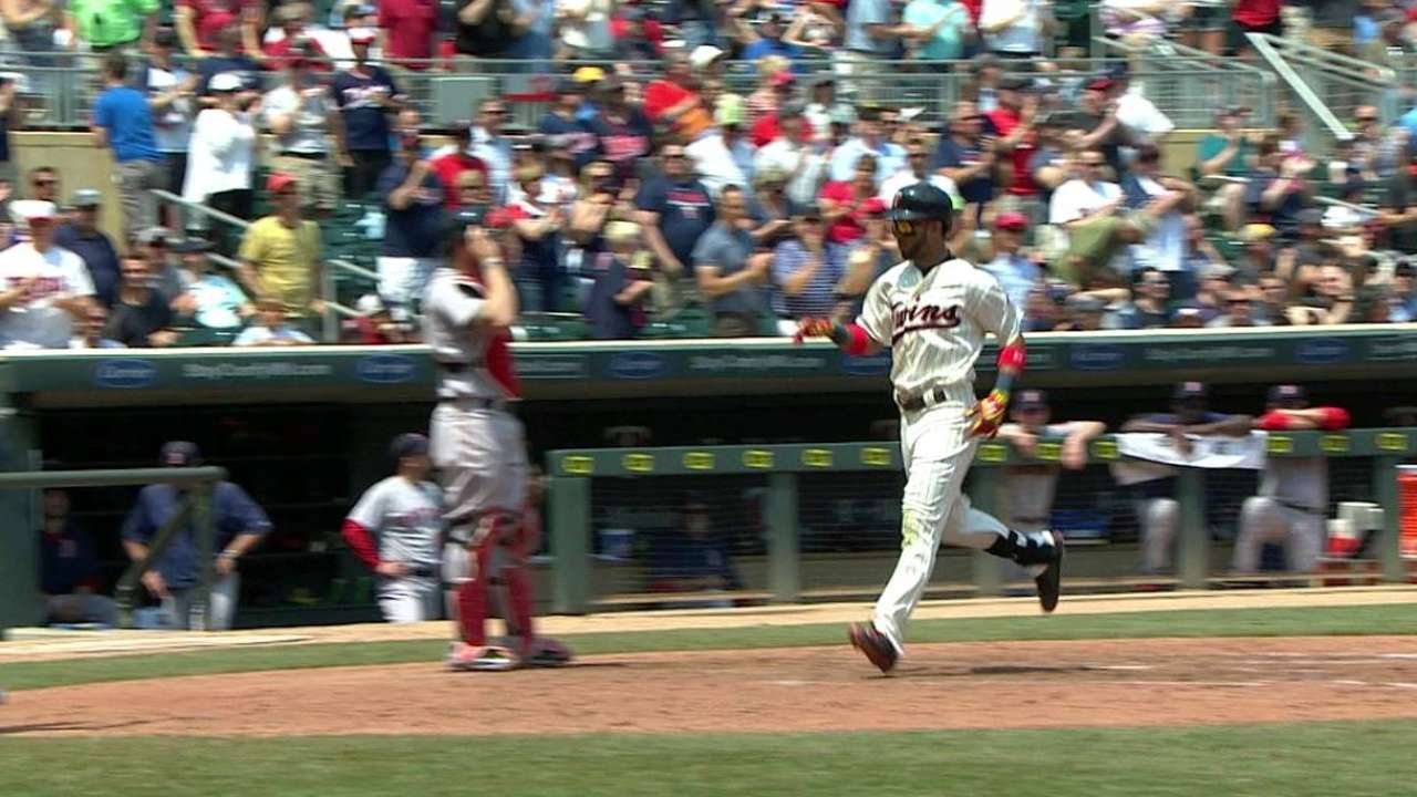 Twins' offense firing on all cylinders
