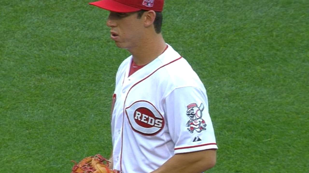 With Cueto not ready, Reds turn to rookies