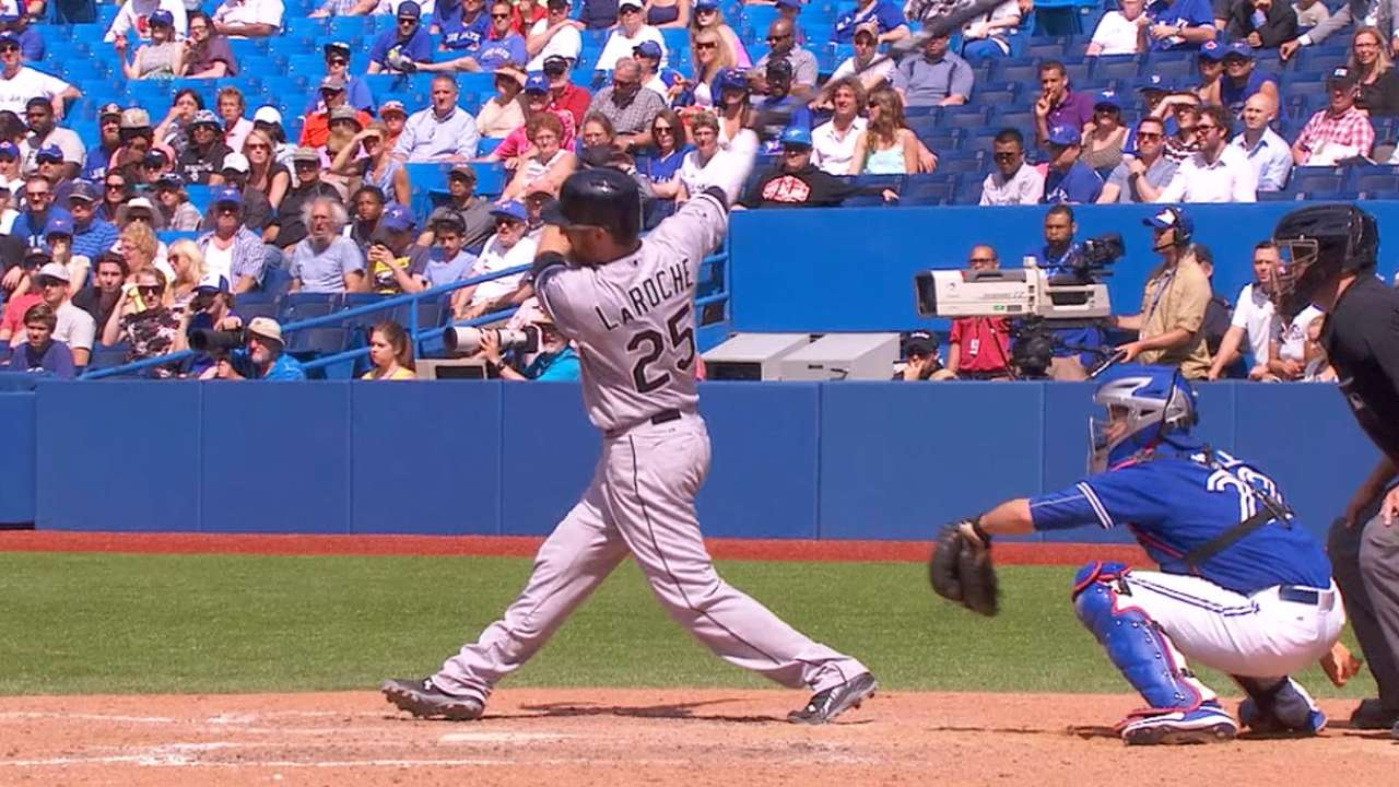 White Sox eclipse Blue Jays in 10 innings