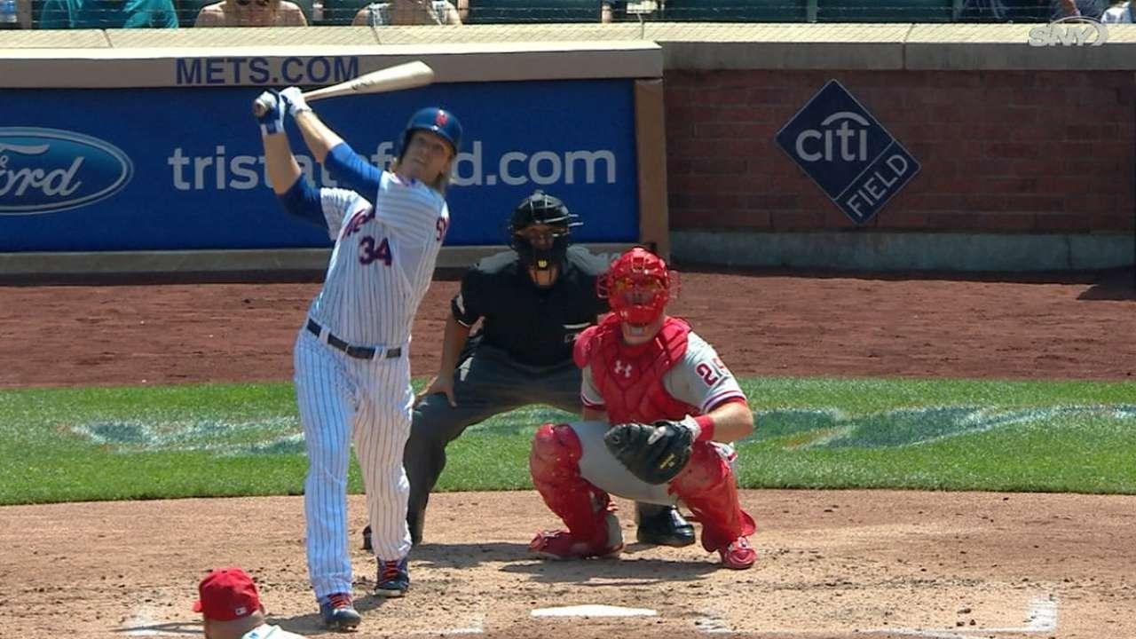 Mets blast 4 HRs, 1 by Syndergaard, to sweep Phils